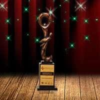 https://www.reliancegeneral.co.in/SiteAssets/RgiclAssets/images/AwardsImages/HealthCare-Leasdership-Awards.jpg